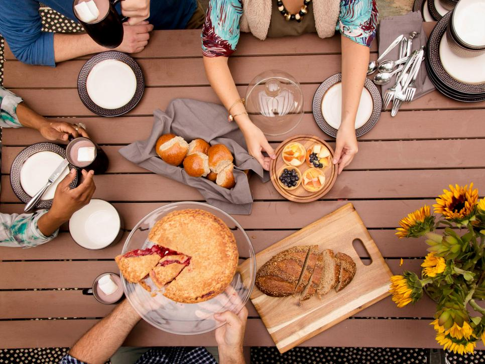 Here are Our Top Favorite Outdoor Fall Party Ideas 6