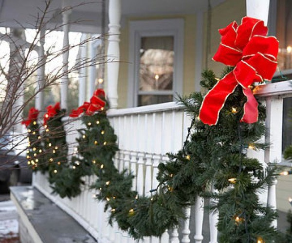 The Necessary Christmas Outdoor Decorations Checklist 9